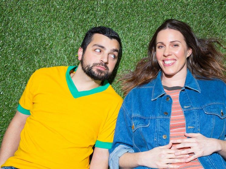 Rahel Romahn and Katherine Tonkin in Cosi