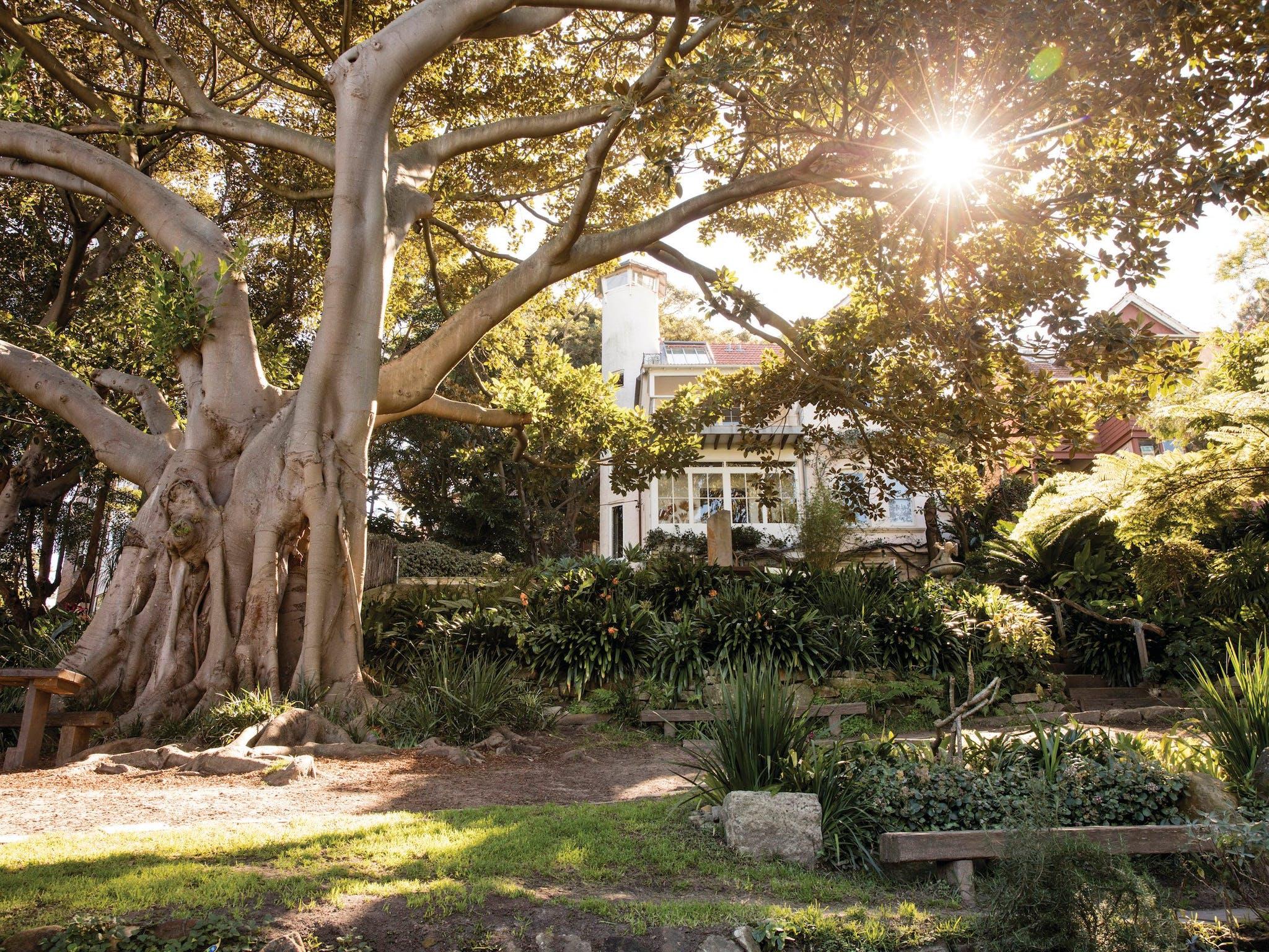 Wendy Whiteley\'s Secret Garden - NRMA Sydney Lakeside Holiday Park