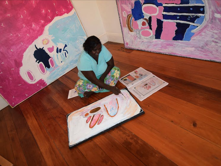 Kitty Simon painting at Cooee Gallery