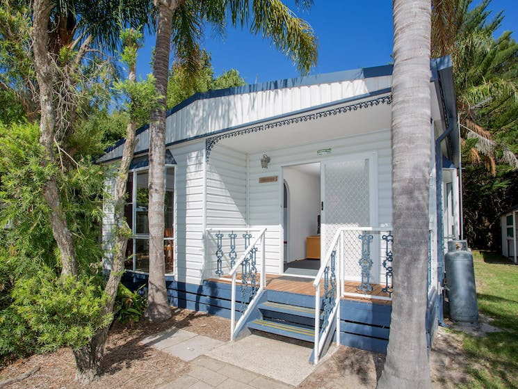 Barlings Beach Holiday Park Tomakin Beach Cottage