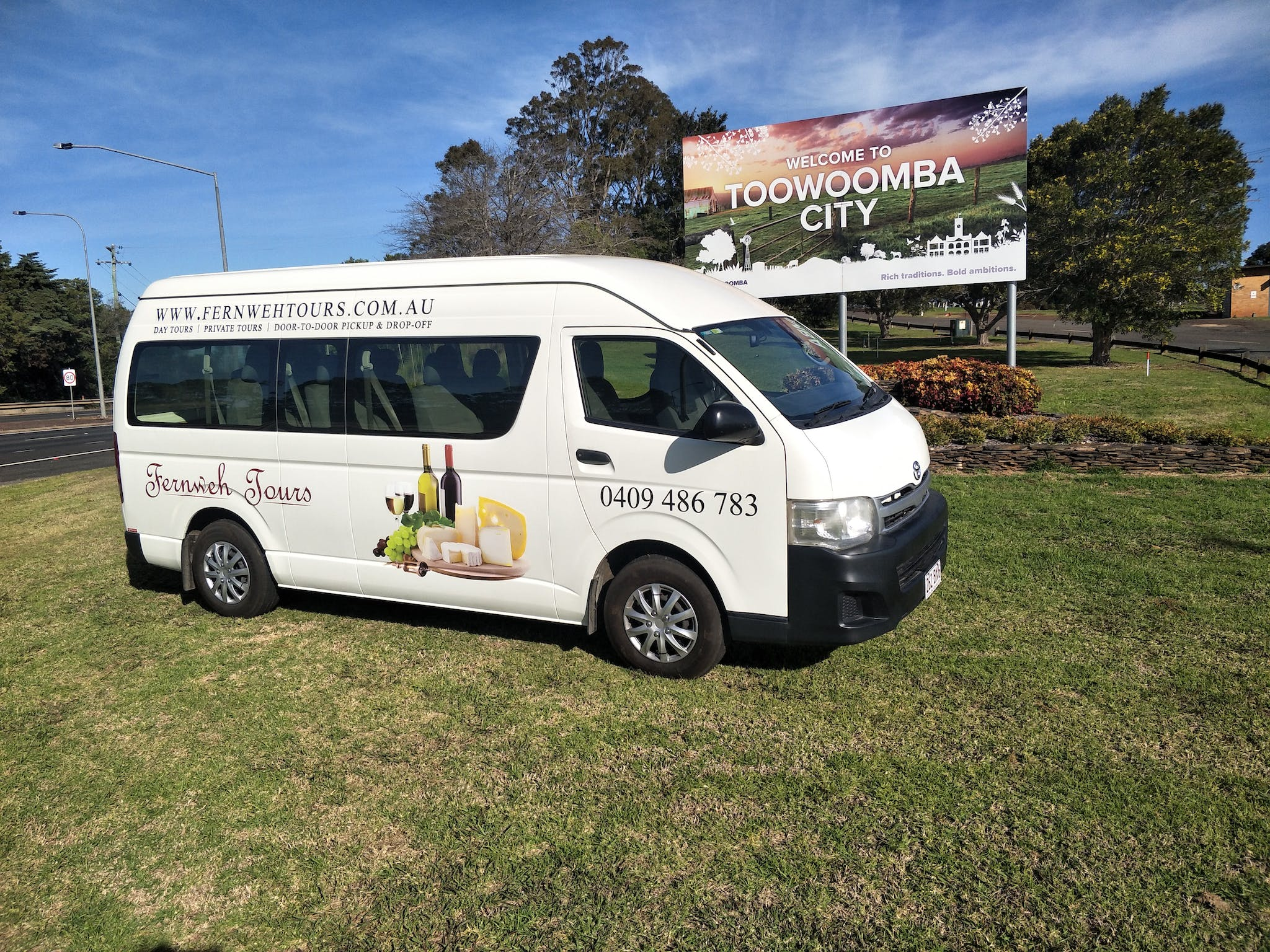 Fernweh Tours Toowoomba offer  boutique group tours in Toowoomba. Tour itineraries are negotiable.
