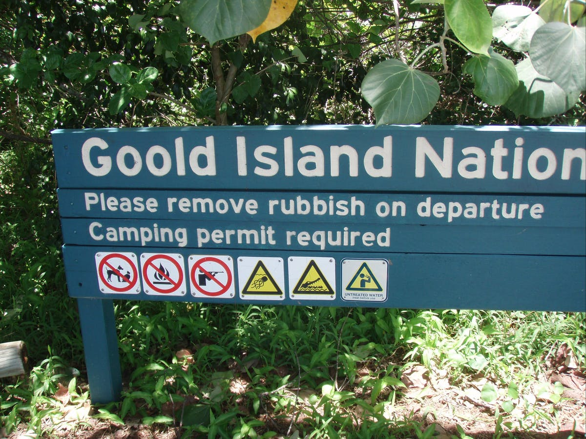 Welcome sign, Goold Island