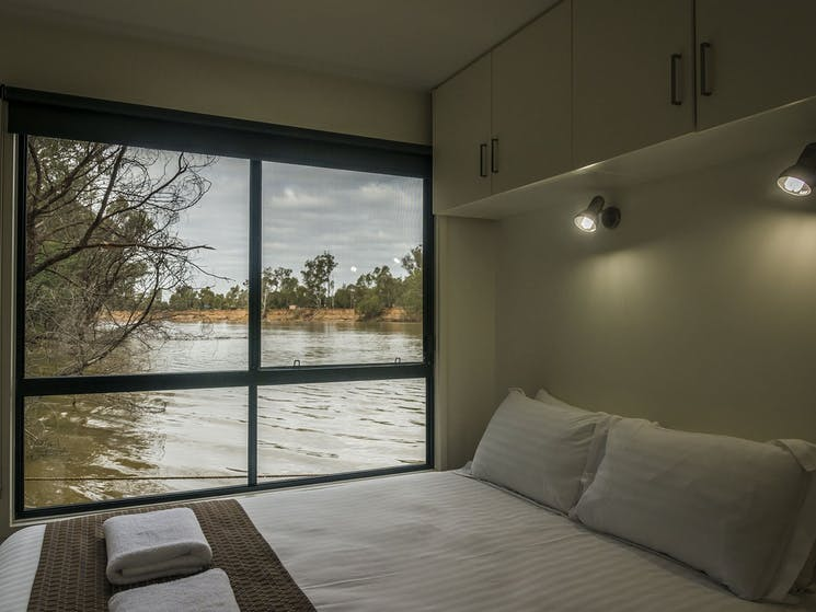 cruising the Murray River in style