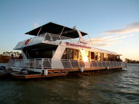 Quality Houseboats Murray Entertainer