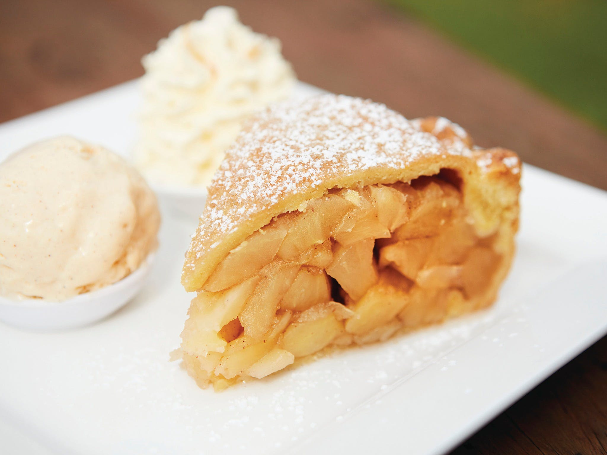 plate of apple pie and icecream from Suttons Juice Factory
