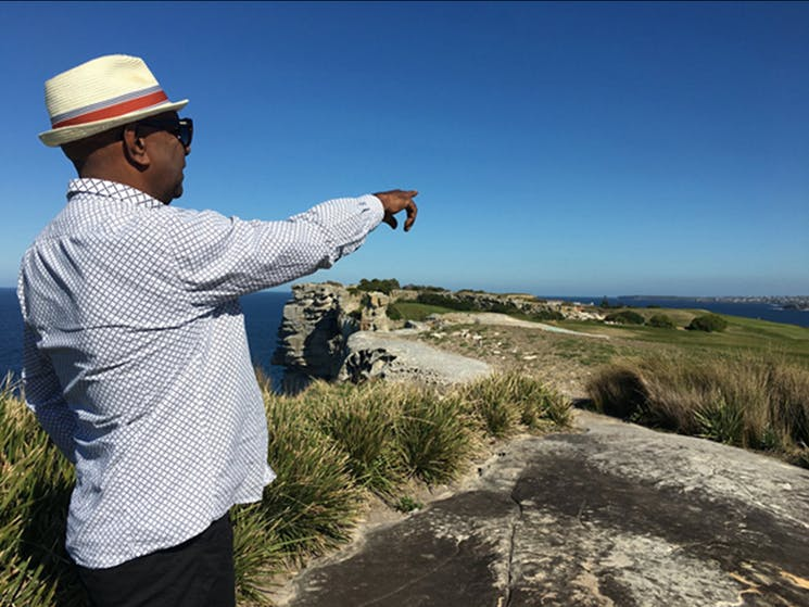 Walangari-explains-the-geology-and-ancient-Aboriginal-history-of-Australia's-famous-Bondi-Beach