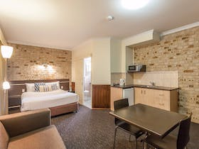 Highlander Motor Inn & Apartments | Southern Queensland Country