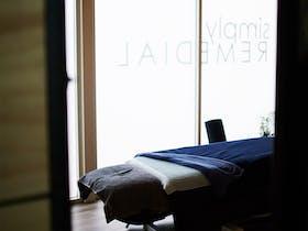 Treatment room Table