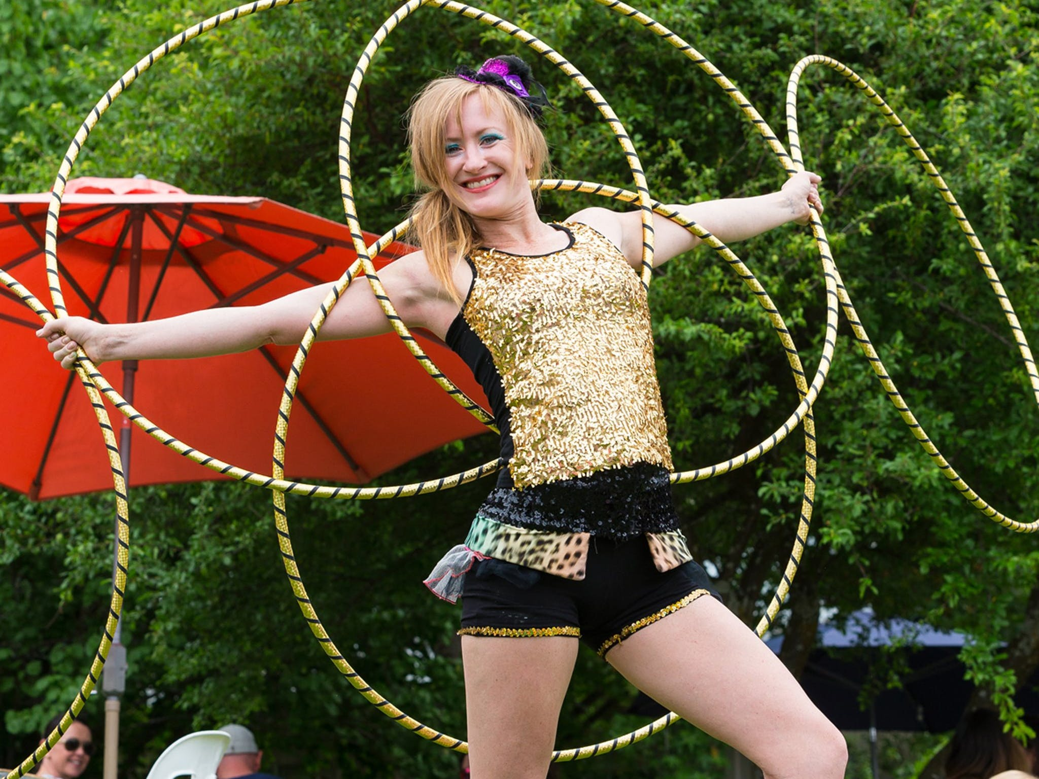 Gnocchi Carnevale, circus perforers with hoops