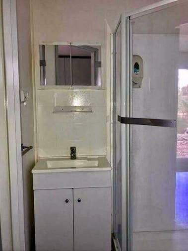 Selfcontained cabin with ensuite