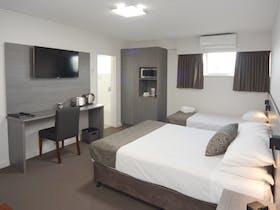 Motel Q+S