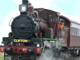 Downs Explorer – Warwick to Clifton (return) trip
