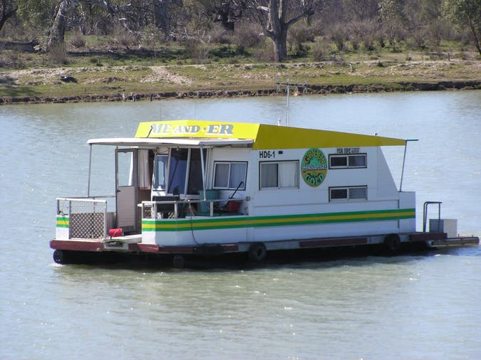 MeAndEr Green  Gold Houseboats