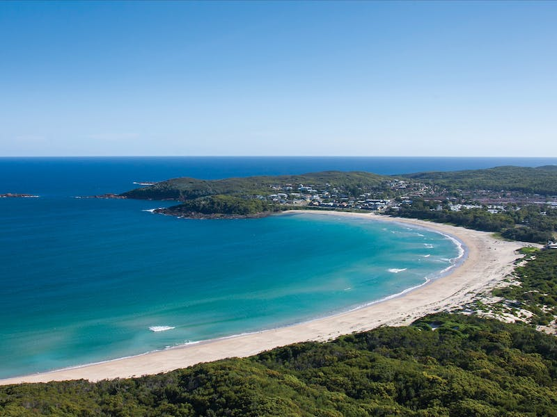 fingal bay beach nsw holidays accommodation things to do