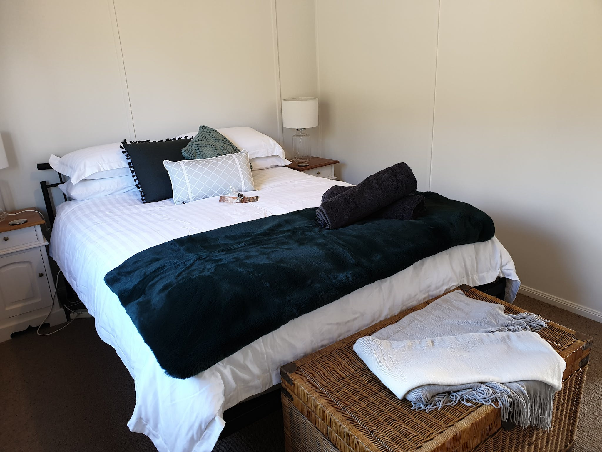 Cosy room that sleeps two with fresh luxurious linens