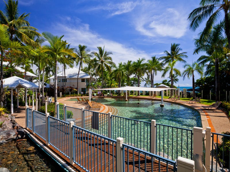 Cairns Great Barrier Reef 39 S Official Tourism Site