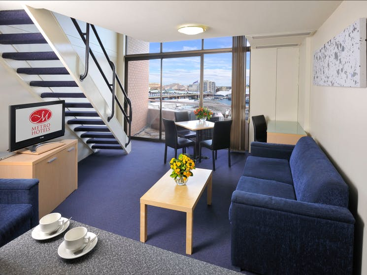 Metro Apartments on Darling Harbour Loft-style apartments