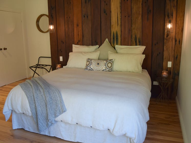 Manning Suite offers a raw and earthy setting for your stay at Copeland House