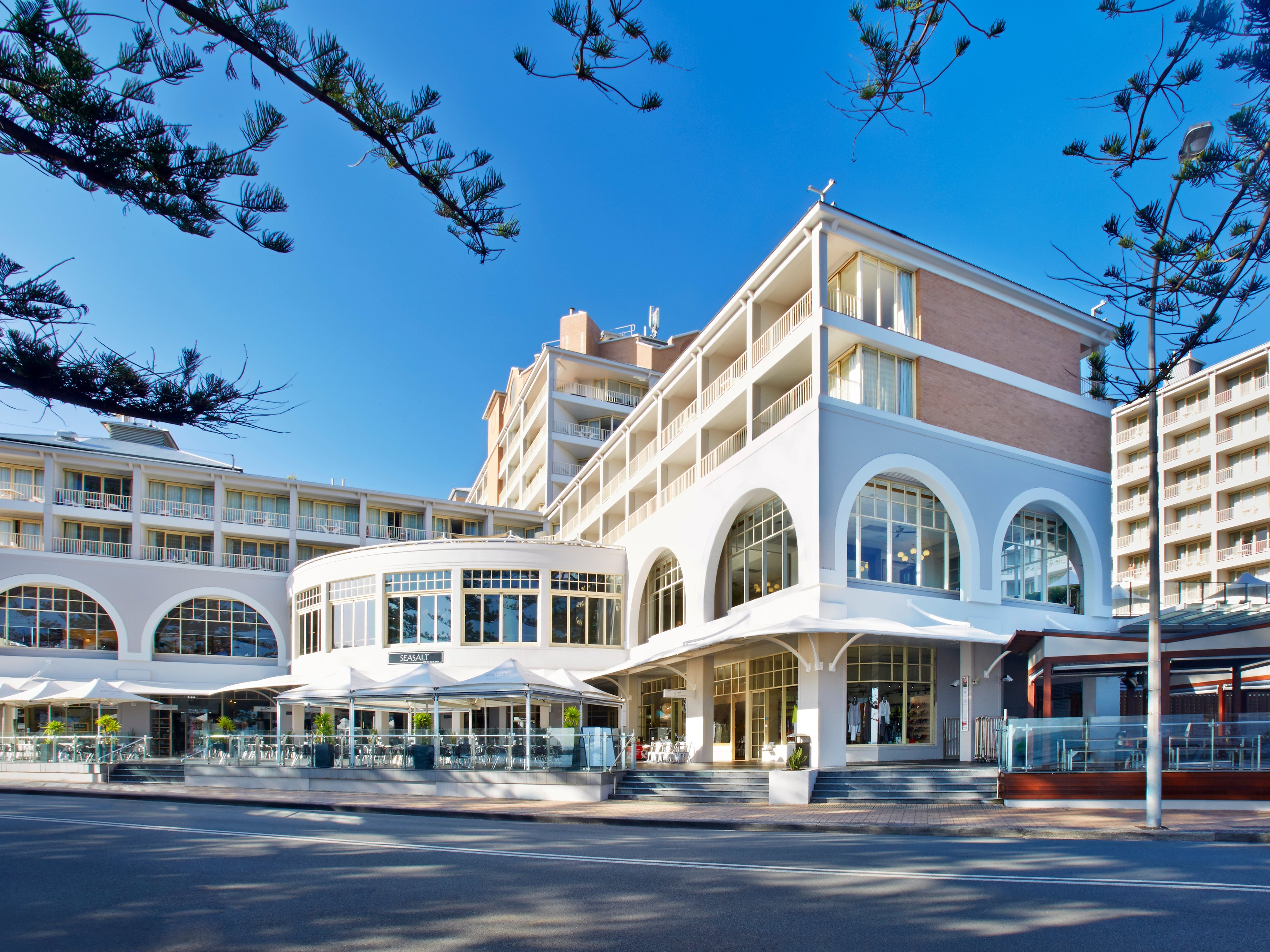 Crowne Plaza Terrigal Pacific Street View