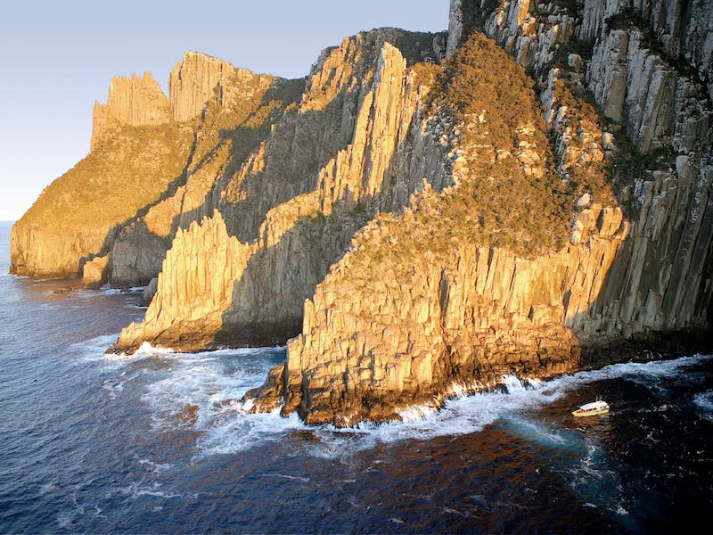 Tasman Island Cruises - Pennicott Wilderness Journeys