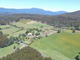 Kaydale Lodge Gardens set in rural North-West Tasmania
