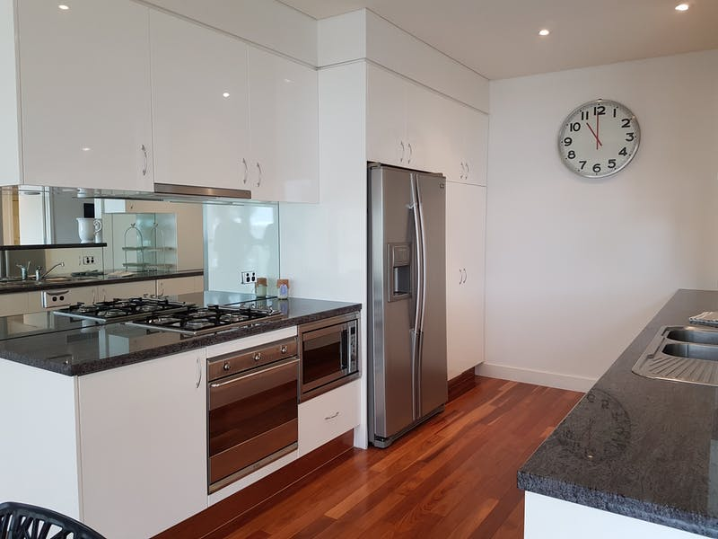 Kitchen of Harbourside Apartment