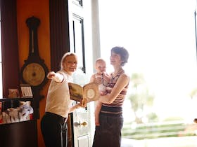 Family tours at Elizabeth Bay House