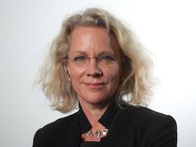 Laura Tingle