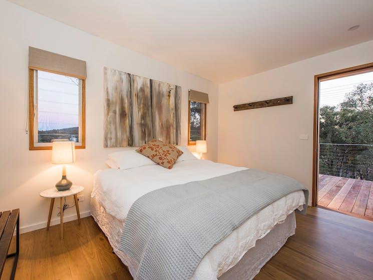 Strikes Mudgee king sized bedroom