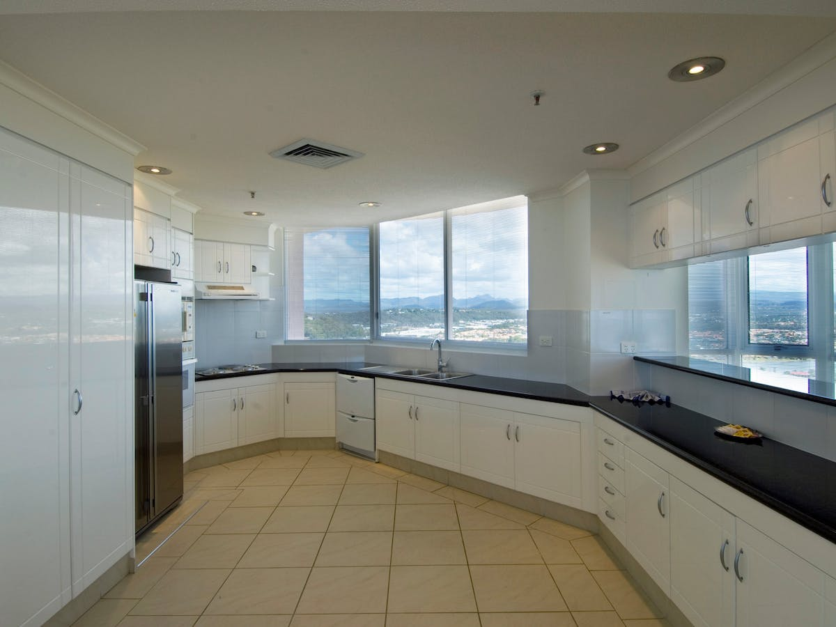 2nd Avenue Beachside Apartments - Accommodation - Queensland