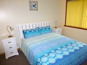 Casuarina Cottage at Eagles Rise Tasmania is a comfortable, well equipped, two bedroom cottage