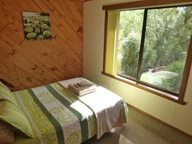 Boronia Cottage at Eagles Rise Tasmania is a cosy two bedroom cottage at Sisters Beach