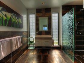 Spacious modern bathroom