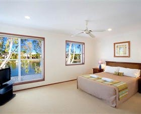 1 Bedroom Waterfront Townhouse