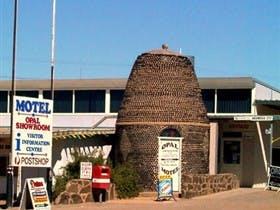 Andamooka Dukes Bottlehouse Motel