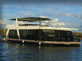 Dreamscape Houseboat