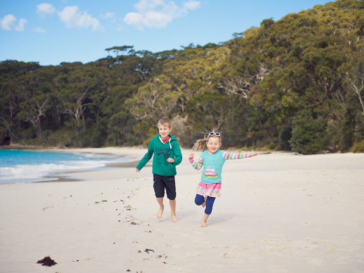 Kids at Murrays Beach. Image courtesy of Tourism Shoalhaven