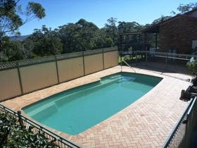 Coast and Country Holiday House - Pool