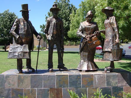 Historic Gundagai Day Tour