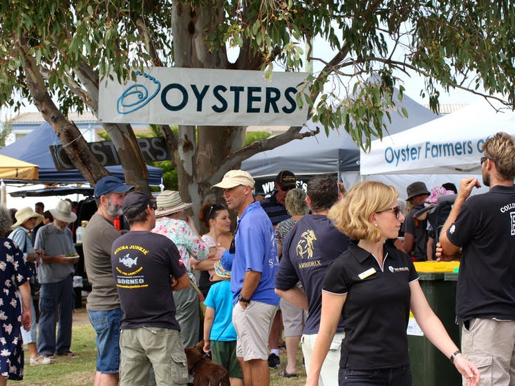 Crowd. Image supplied by Sapphire Coast Tourism