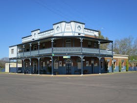 Commercial Hotel Curlewis