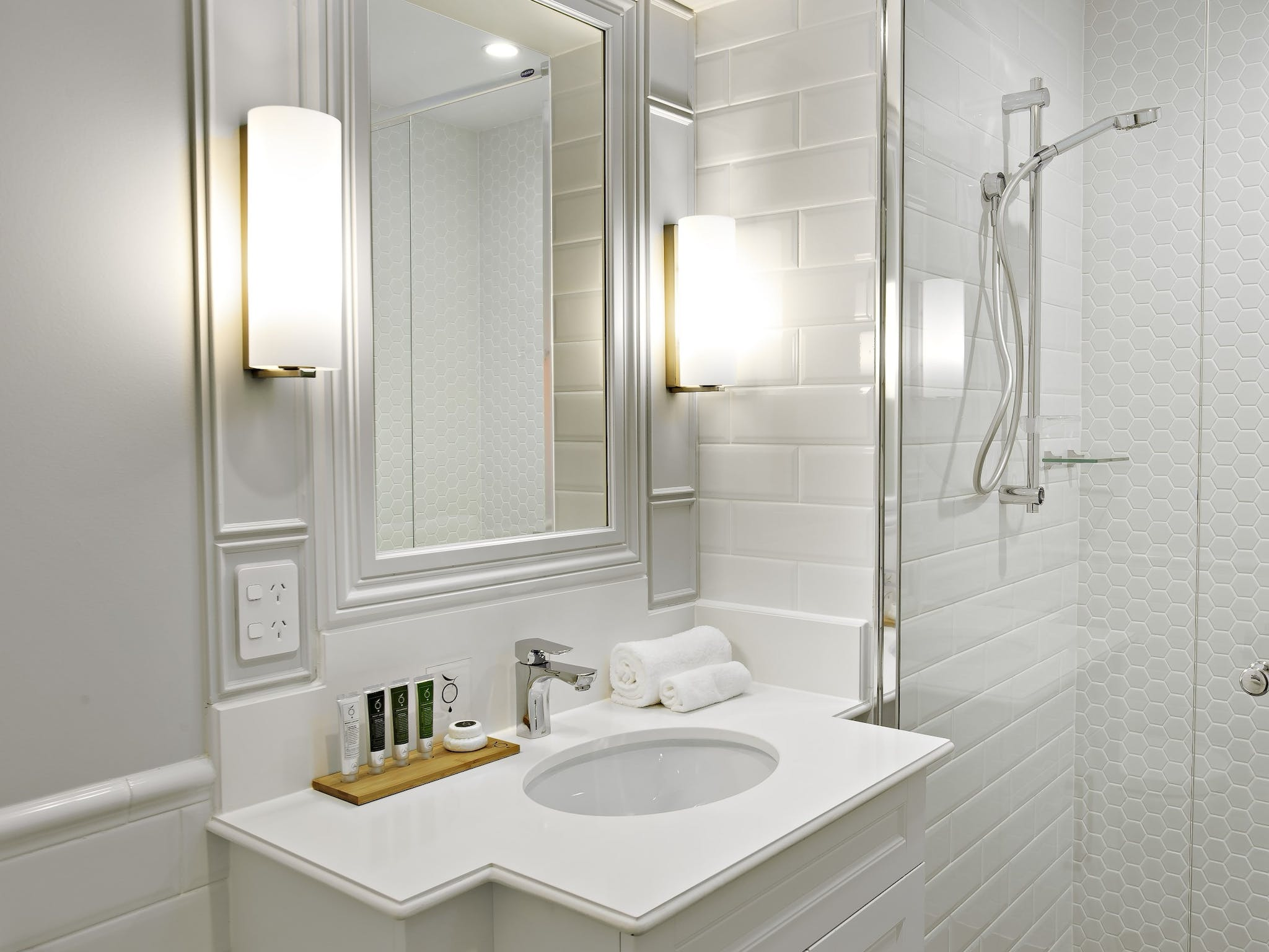 Large Bathroom with luxurious fittings