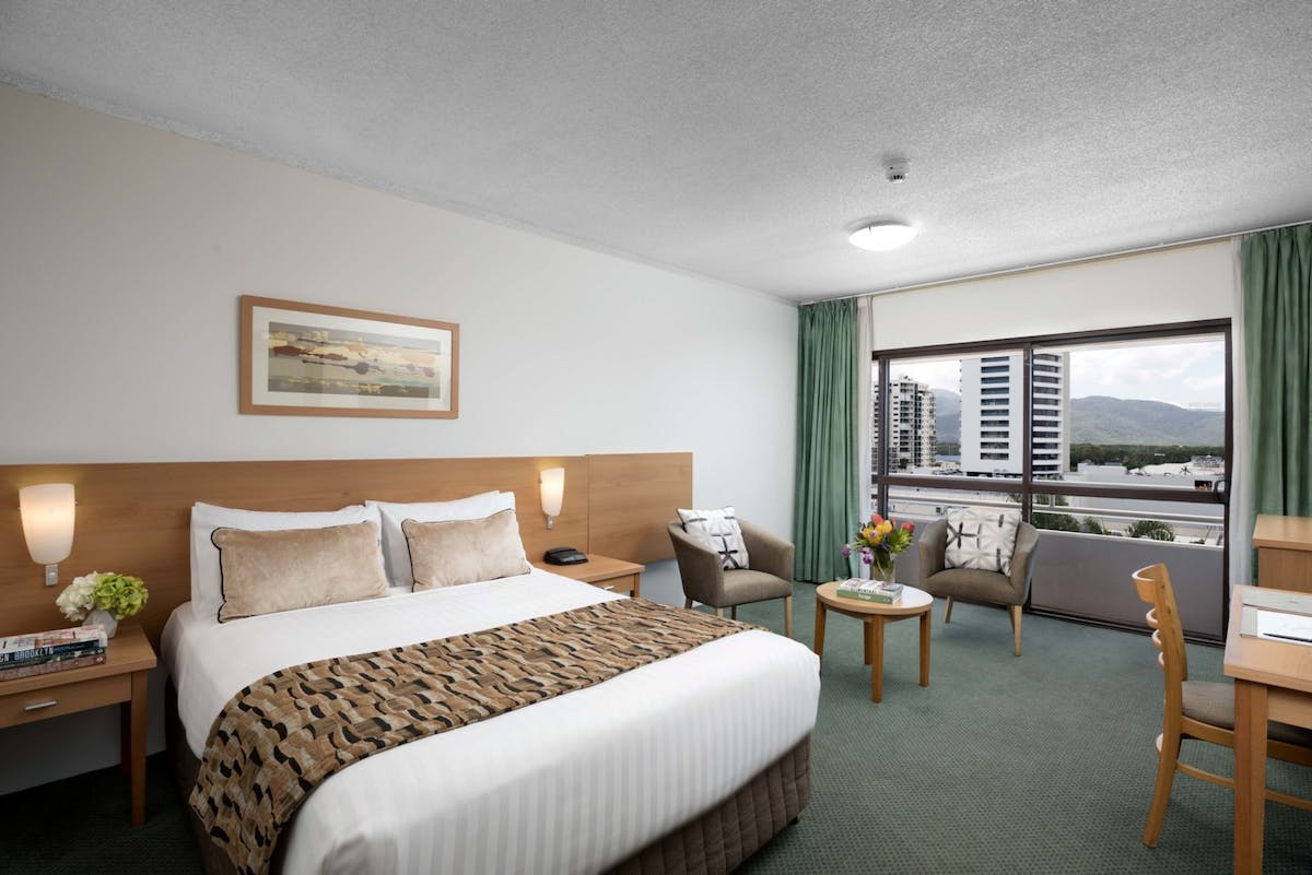 Room with Queen bed, balcony and free wifi at Rydges Plaza Cairns
