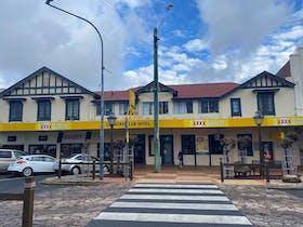 Country Club Hotel Motel