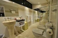 Italian Marble Bathroom Double Ensuite at East Bedarra Island Retreat