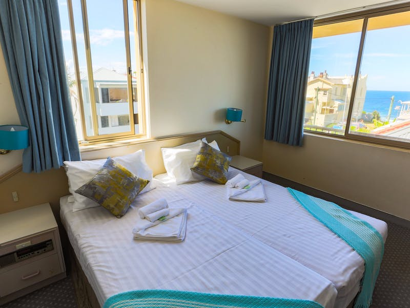 newcastle beach hotel nsw holidays accommodation. Black Bedroom Furniture Sets. Home Design Ideas
