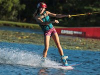 Cairns Wake Park offers wakeboarding lessons for beginners to advanced!