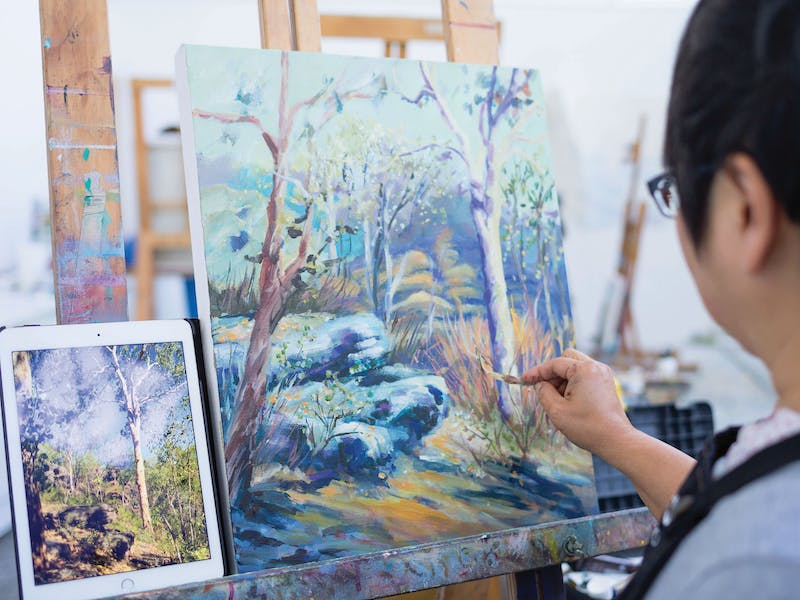 Art Est. Art School offers painting, ceramics, life drawing, print making and sculpture classes