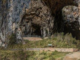 Yarrangobilly Caves – Castle walk