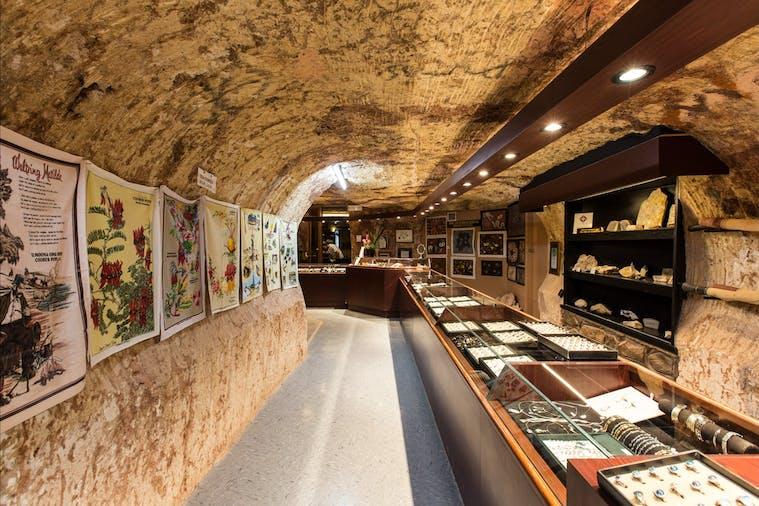 Umoona Opal Mine And Museum